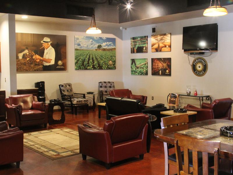 Perdomo Lounge 2